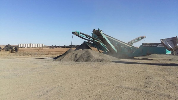 Crushing and Mining 14-4183.JPG