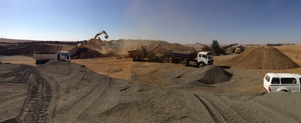 Crushing and Mining 4-3861.JPG